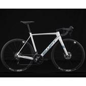 Bike Swift Carbon Ultravox Disc Comp 105 2021/22 Branca e Aqua