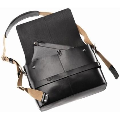 Bolsa Brooks Messenger Barbican Hard Leather Shoulder EM Couro Preta - Média